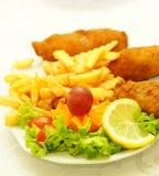 Galinha com frites Fotografia de Stock Royalty Free