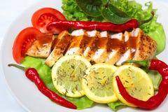 Galinha com salada Fotografia de Stock Royalty Free