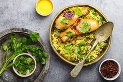 Galinha de Biryani com arroz basmati imagens de stock