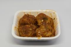 A galinha de Szechuan é o prato chinês clássico que caracteriza uma combinação impetuosa de alho, gengibre, chilis secados fotografia de stock royalty free