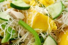 Galinha e salada 2 da manga Foto de Stock