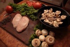 Galinha e vegetais do cozinheiro Imagem de Stock