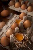 A galinha eggs a vida imóvel rústica com o alimento à moda Foto de Stock Royalty Free
