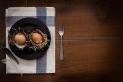 A galinha eggs a vida imóvel rústica com o alimento à moda Fotos de Stock Royalty Free