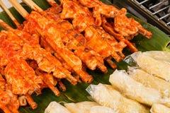 Galinha grelhada com arroz pegajoso Fotografia de Stock Royalty Free