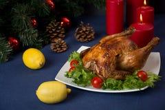 Galinha Roasted para a tabela do Natal Imagens de Stock