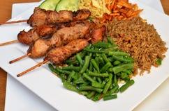 A galinha sate com arroz fritado Fotos de Stock Royalty Free