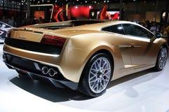 Gallardo lp 560-4 de Italia Lamborghini dourado imagens de stock