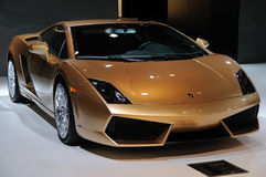 Gallardo lp 560-4 de Italy Lamborghini dourado Imagem de Stock