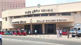 GALLE, SRI LANKA - MÄRZ 2014: Ansicht des Binnenverkehrs in Galle Galle ist die Verwaltungshauptstadt der südlichen Provinz, Sri  stock footage