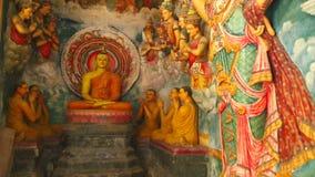 GALLE, SRI LANKA - MÄRZ 2014: Die Ansicht des buddhistischen Tempels des Inneres in Galle Galle ist die Verwaltungs- Hauptstadt v stock footage