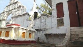 GALLE, SRI LANKA - MÄRZ 2014: Die Ansicht des buddhistischen Tempels in Galle Galle ist die Verwaltungshauptstadt der südlichen P stock footage