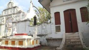GALLE, SRI LANKA - MÄRZ 2014: Die Ansicht des buddhistischen Tempels in Galle Galle ist die Verwaltungshauptstadt der südlichen P stock video