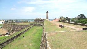 GALLE, SRI LANKA - MÄRZ 2014: Spurhaltung des Schusses Galle-Forts Galle ist die Verwaltungshauptstadt der südlichen Provinz, Sri stock footage