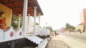 GALLE, SRI LANKA - MAART 2014: Lokaal verkeer in Galle Galle is het administratieve kapitaal van Zuidelijke Provincie, Sri Lanka  stock footage