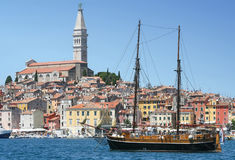 Galleass ancored dans Rovinj Photo libre de droits