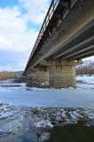 Galleggiamento del ghiaccio sul fiume Fotografia Stock Libera da Diritti