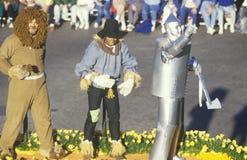 Galleggiante di mago di Oz in Rose Bowl Parade, Pasadena, California immagine stock