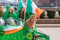 Galleggiante di parata del giorno di St Patrick fotografia stock libera da diritti