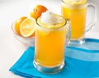 Galleggiante di rinfresco della soda arancio immagine stock