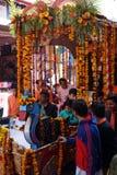 Galleggiante indiano con le ghirlande dei fiori Fotografia Stock