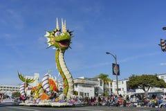 Galleggiante sveglio del drago di Rose Parade famosa Fotografie Stock