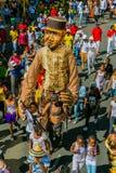Galleggianti e costumi del vestito operato a Gauteng Carnival in Preto immagine stock libera da diritti