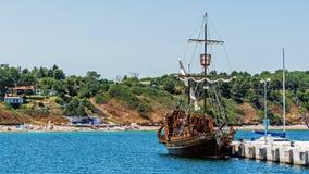 Galleon称呼了船 免版税库存图片
