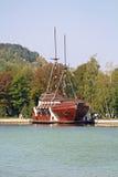 Galleon船餐馆在Mezhyhirya -前总统亚努科维奇前住所  免版税图库摄影