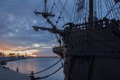 Galleon в порте стоковое фото rf