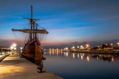 Galleon в порте стоковое изображение rf