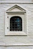 Gallerförsett fönster för singel i tegelstenvägg Royaltyfria Bilder