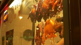 Gallerhöna i kinesisk restaurang arkivfilmer