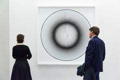 Galleri i en konstmässa Fotografering för Bildbyråer