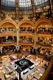 galleri lafayette paris royaltyfri bild