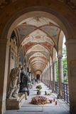 Galleri på den Vysehrad kyrkogården i Prague Arkivfoto