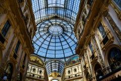 Galleri Vittorio Emanuele II i centrala Milan, Italien Arkivfoto