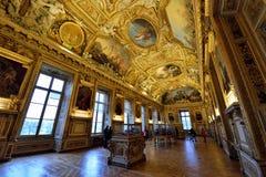 Galleria Apollo nel Louvre del museo Immagini Stock