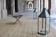 Galleria con le lanterne Fotografie Stock