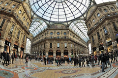 Galleria de Milán, Italia - de Piazza Duomo Imagen de archivo libre de regalías