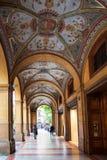 Galleria decorata sulla piazza Cavour a Bologna Immagine Stock Libera da Diritti