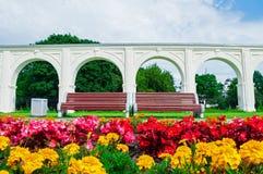 Galleria del cortile antico di Yaroslav al giorno soleggiato di estate in Veliky Novgorod, Russia - paesaggio di architettura di  Fotografie Stock Libere da Diritti