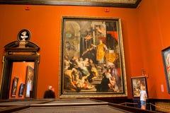 Galleria del museo con le vecchie pitture Fotografia Stock