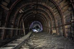 Galleria propensa nella miniera di sale immagine stock
