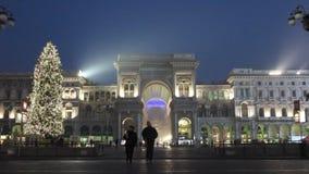 Galleria Vittorio Emanuele με το χριστουγεννιάτικο δέντρο απόθεμα βίντεο