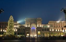 Galleria Vittorio Emanuele con el árbol de navidad Imagen de archivo libre de regalías