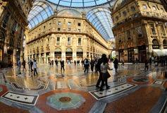Galleria Vittorio Emanuele II dall'interno del arca immagini stock libere da diritti