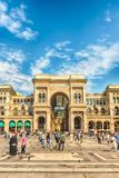 Galleria Vittorio Emanuele II vända mot Piazza Duomo i Milan, Ital Arkivbilder