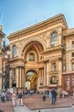 Galleria Vittorio Emanuele II vända mot Piazza Duomo i Milan, Ital Royaltyfri Foto