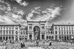 Galleria Vittorio Emanuele II vända mot Piazza Duomo i Milan, Ital Royaltyfri Fotografi
